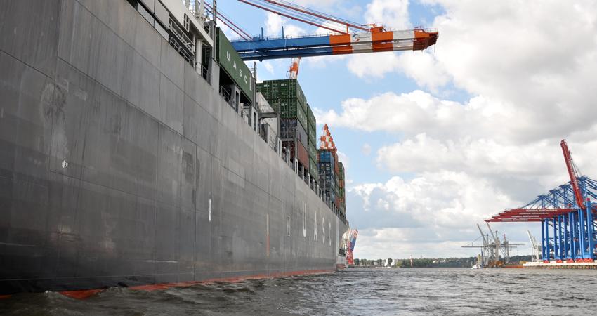 Pressemitteilung: Wie sicher ist der Verkehr von großen Containerschiffen auf der Elbe in Hamburg und wie geht es weiter mit der Fährlinie Cranz-Blankenese?